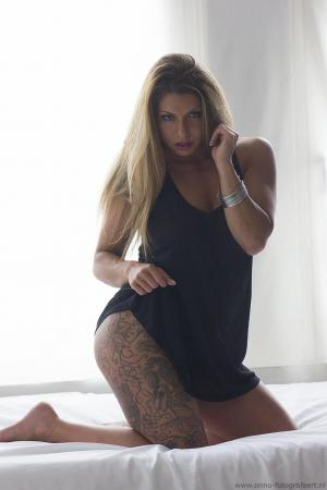 Auteur model Tattooladyd -