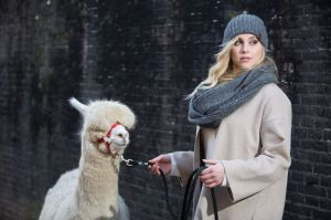 Auteur model Leoni Goudkuil - For Inkari Alpaca
